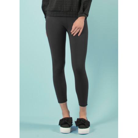 Long yoga pants in black organic cotton