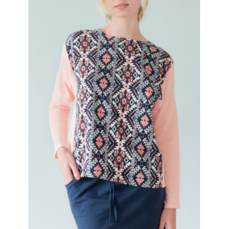 Loose Vanessa top in navy and ecru graphic print